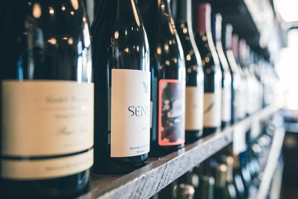 Onderzoek de verandering van het wijnetiket